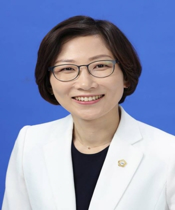 Song Myung Hwa